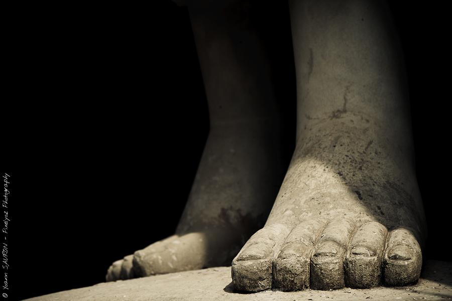 """Week 11 :: """"Colosse aux pieds d'argile"""""""